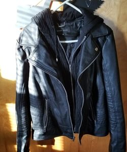 Ladies leather jacket with removable hood